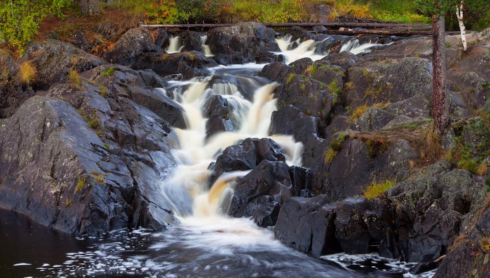 Shunga Range Waterfall